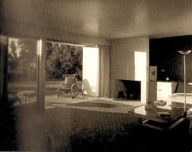 The Ward House, Richard Neutra, Los Angeles, 1939. Photo by Julius Shulman.  Print location: University of California, Los Angeles, Department of Special Collections. Julius Shulman images now owned by Getty Research Institute. Scan source: Richard Neutra - Complete Works by Barbara Lamprecht.
