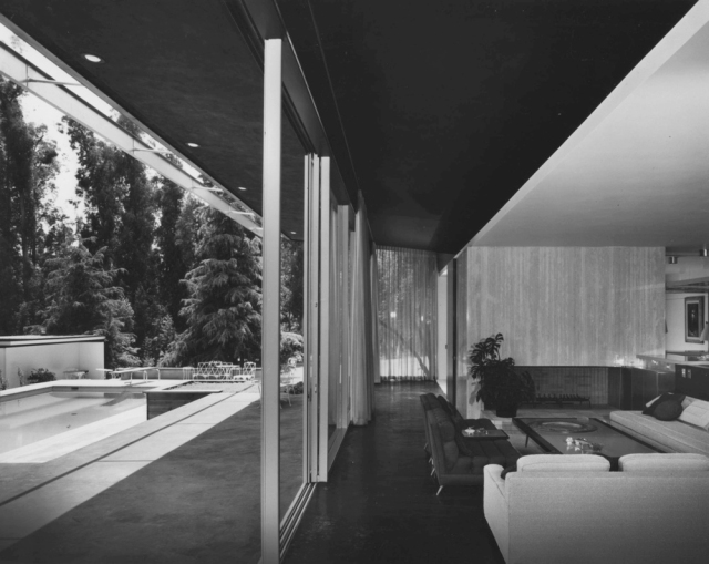 The Kronish House, Richard Neutra, Beverly Hills, 1955. Fireplace. View west. Photo courtesy of Neutra Architecture.